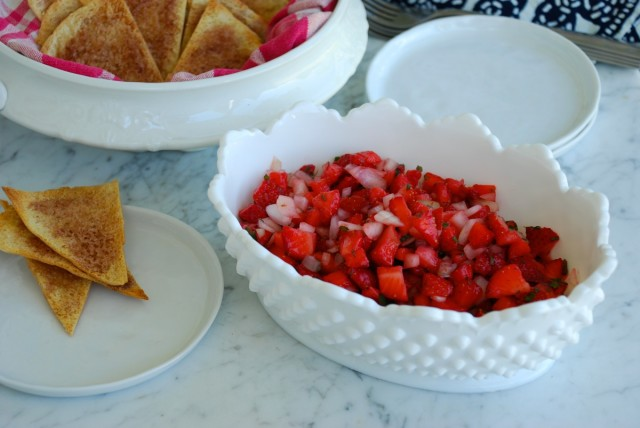 Strawberry Salsa and Sugared Pita Chips from The Coastal Table - chips and salsa | tiny farmhouse