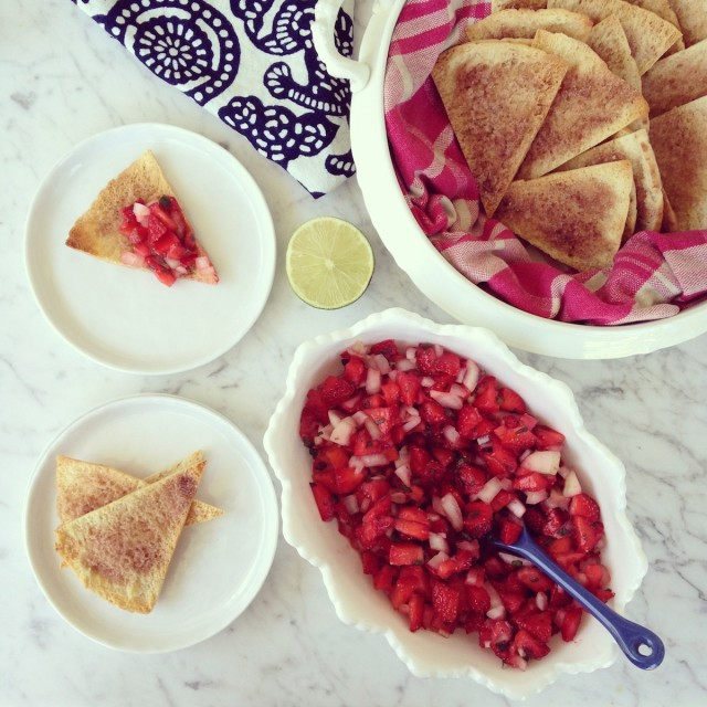 Strawberry Salsa and Sugared Pita Chips from The Coastal Table instagram | tiny farmhouse