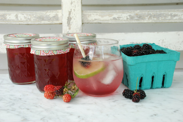 blackberry-simple-syrup 5 | tinyfarmhouse