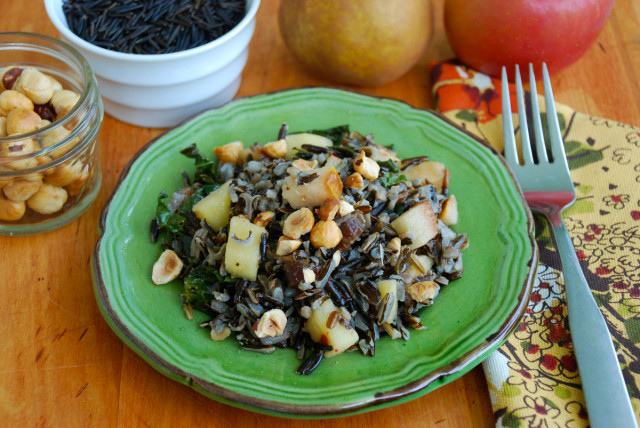 whole-grains-month-contest-wild-rice-fall-fruit-salad-on-plate | tiny farmhouse