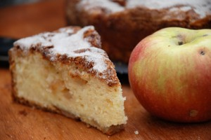 A Favorite Holiday Cake: Apple-Cinnamon Cake for Hoarding or Giving